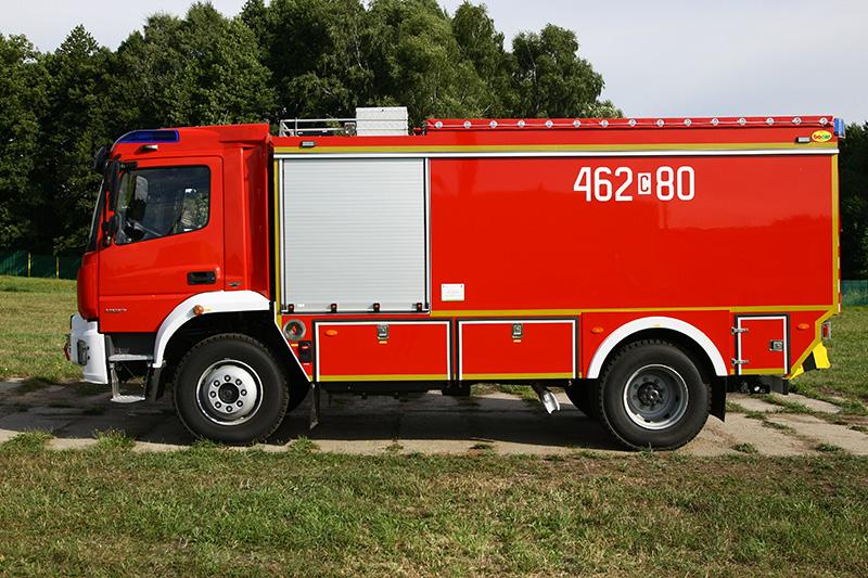 4J8T2845