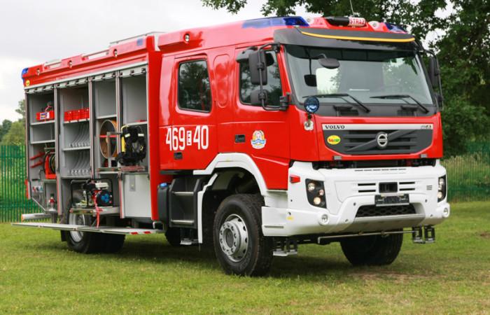 4J8T3674-700x450
