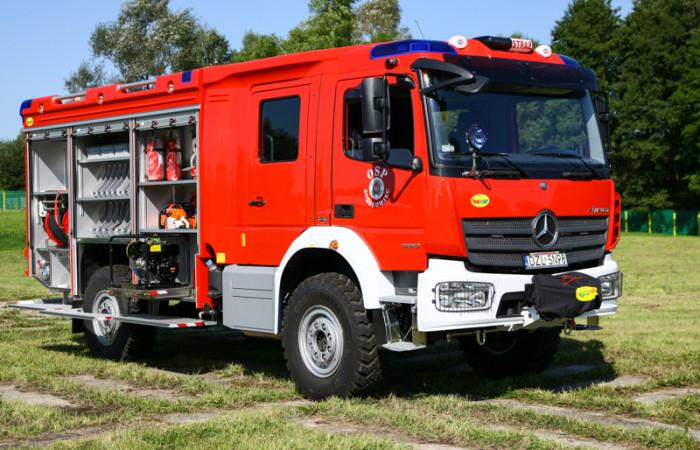 4J8T94301-700x450