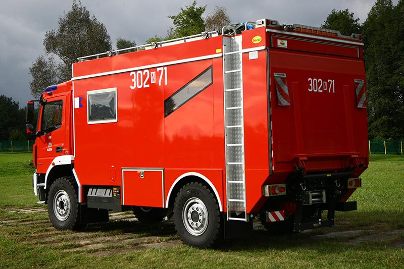 4J8T9988