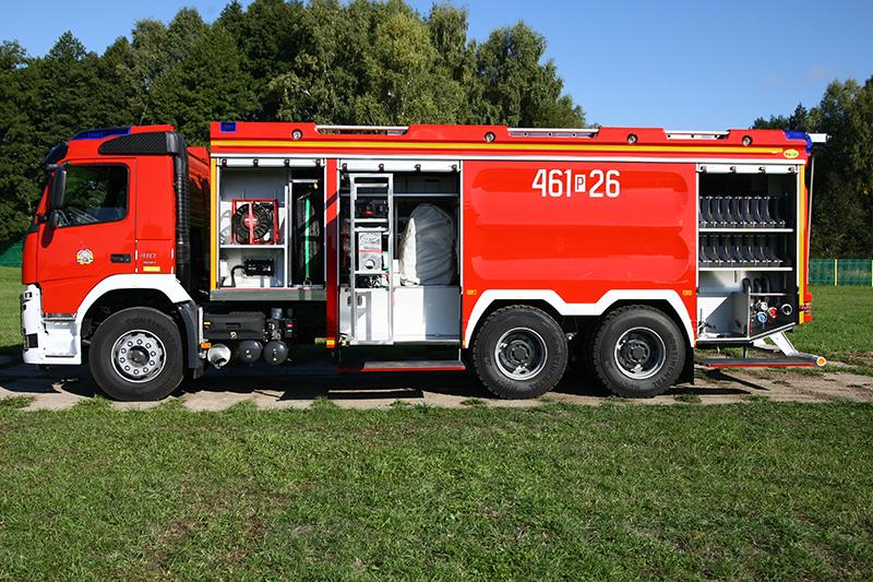 4J8T3589