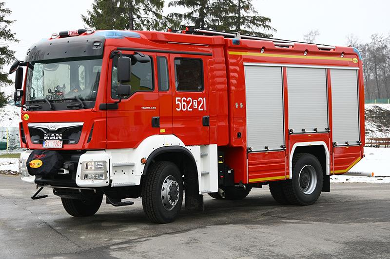 4J8T5578