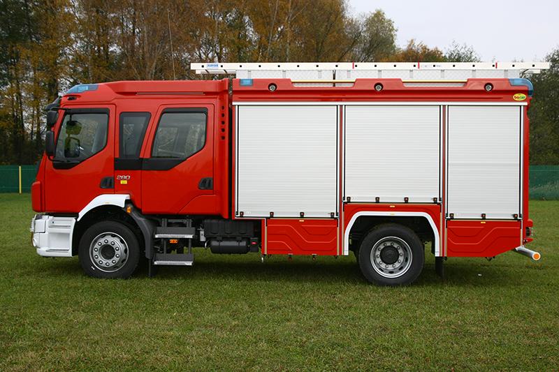 4J8T6696