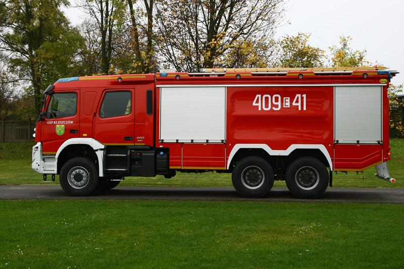 4J8T9517
