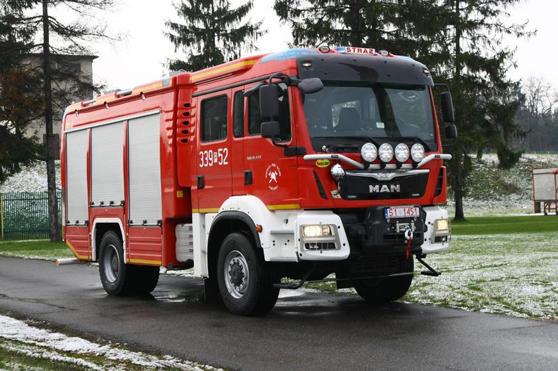 4J8T9780